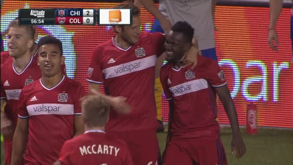Accam doubles Chicago's lead