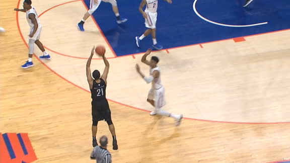 Nevada's Stephens shows range to tie game