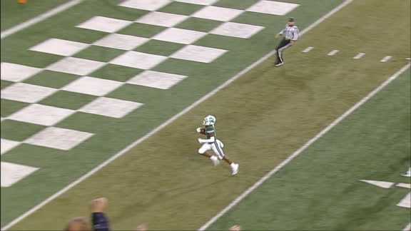 Tulane WR breaks free from defense and scores long TD