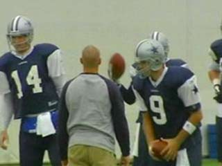 romo throws lightly to receivers does stretching