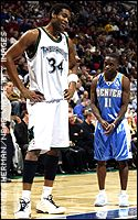 Michael Olowokandi and Earl Boykins