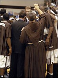 Bonnies huddle