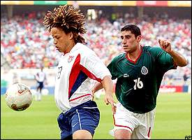 Cobi Jones, Salvador Carmona