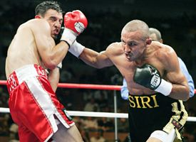 Orlando Salido, right, and Robert Guerrero.