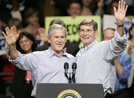 President Bush, left, and Rep. Jim Ryun.