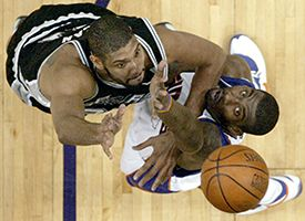 Tim Duncan, left, and Amare Stoudemire