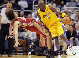 Anderson Varejao and Lamar Odom