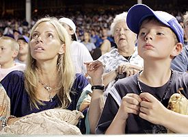 Tom Glavine's wife and son
