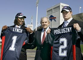 Marshawn Lynch, Ralph Wilson and Paul Posluszny