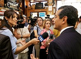 Antonio Villaraigosa and Mirthala Salinas