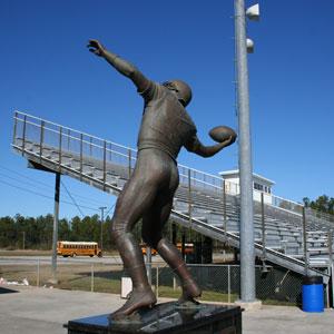 Brett Favre statue