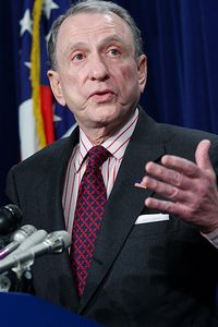 Sen. Arlen Specter says he expects the NFL will be cooperative at Wednesday's meeting.