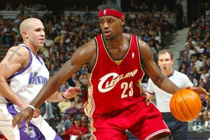 Mike Bibby, LeBron James