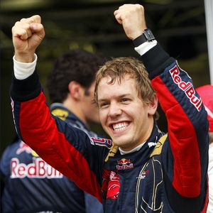 Vettel repite pole y permite el doblete de Red Bull en Australia