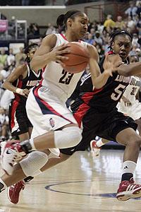 Maya Moore, UConn vs. Louisville