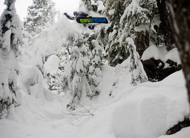 Want to ride a board that is perfect for the modern day duck stance? Click the Park Pickle in the pow for our latest Industry Insider report.