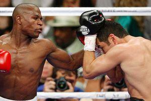 Oscar De La Hoya v Floyd Mayweather