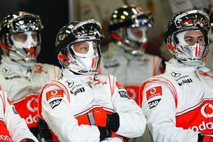 McLaren Mercedes pit crew