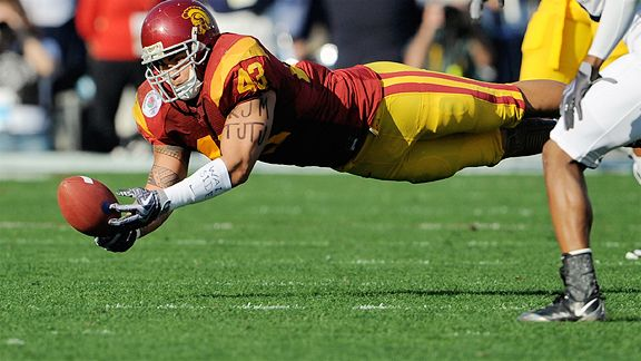01 January 2009: USC #43 Kaluka Maiava dives for a catch during the Rose Bowl presented by Citi between the Penn State Nittany Lions and the University of Southern California Trojans at the Rose Bowl in Pasadena, CA