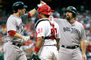 Jason Bay, left, and Kevin Youkilis