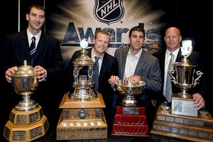 Bruins' Zdeno Chara, Tim Thomas, Manny Fernandez and Claude Julien