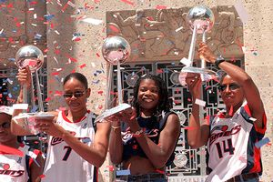 Tina Thompson, Sheryl Swoopes, and Cynthia Cooper