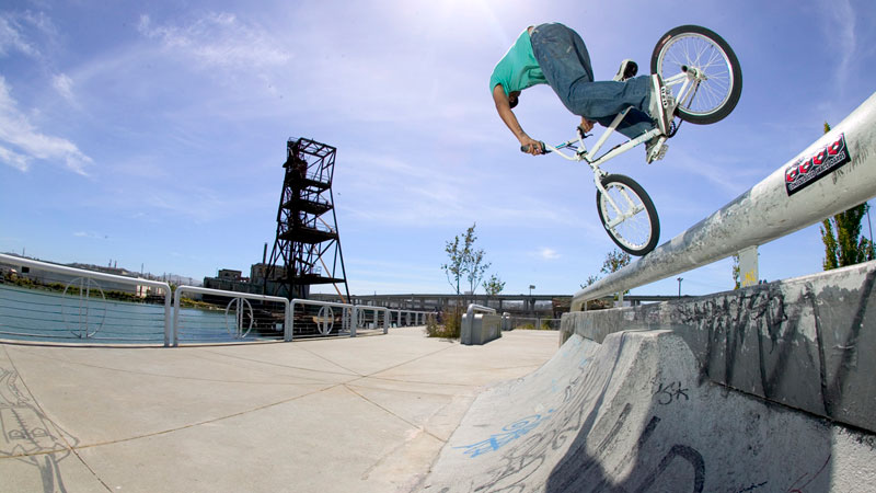 http://a.espncdn.com/photo/2009/0908/as_bmx_ME_PL2_800.jpg