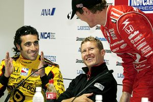 Scott Dixon of New Zealand,  Dario Franchitti of Scotland, left, and Ryan Briscoe of Australia, center