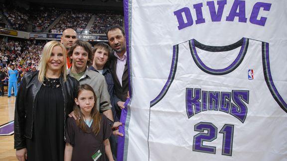Vlade Divac with the Sacramento Kings