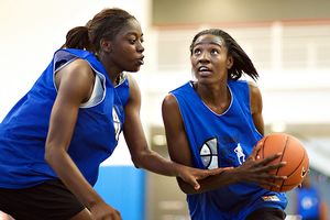 Ogwumike and Howard