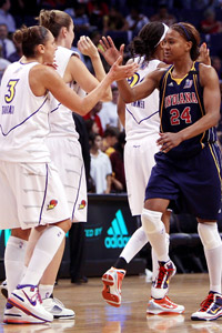 Diana Taurasi and Tamika Catchings