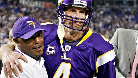Brett Favre and the Vikings escaped with a 33-31 win over the Ravens