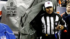 Referee w/ Instant Replay Booth
