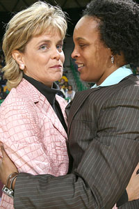 KIm Mulkey and Teresa Weatherspoon