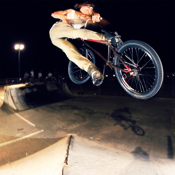 /photo/2009/1207/as_bmx_mileslookback_576.jpg