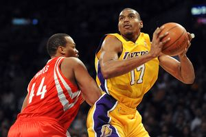 Chuck Hayes, Andrew Bynum