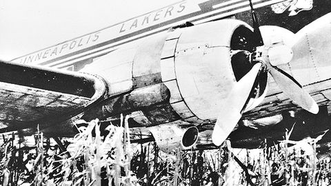 50 years ago today lakers narrowly avert disaster los angeles 50 years ago today lakers narrowly avert disaster voltagebd Images