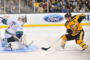 Bruins v Canucks