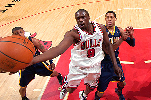 Luol Deng scored a season-high 31 points in the Bulls' win over the