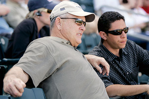 Nolan Ryan (L) and Jon Daniels