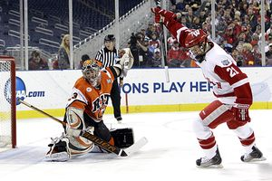 Wisconsin's Derek Stepan had two goals and two assists in Wisconsin's 8-1 win over RIT.