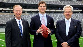 John Mara, Eli Manning and Steve Tisch