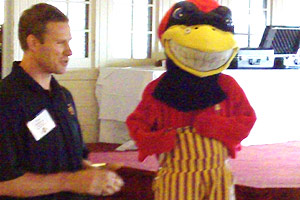 Fred Hoiberg with mascot