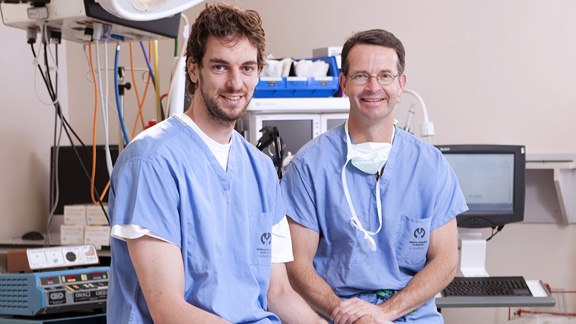 Pau Gasol and Dr. David Skaggs