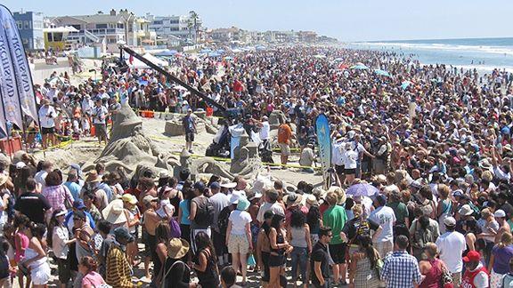 sandcastler crowd