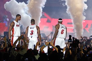 Dwayne Wade (C),Chris Bosh (L) and LeBron James
