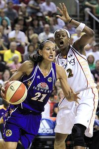 Swin Cash and Ticha Penicheiro