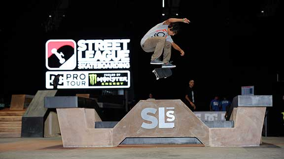Sean Malto switch flips his way into the finals of the first Street League contest.