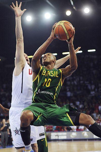 Leandro Barbosa's last-second shot didn't fall through Monday as the U.S. team escaped a stiff test by Brazil.