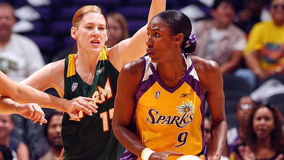 Lisa Leslie and Lauren Jackson